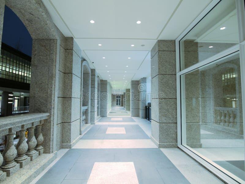 lång walkway royaltyfria foton