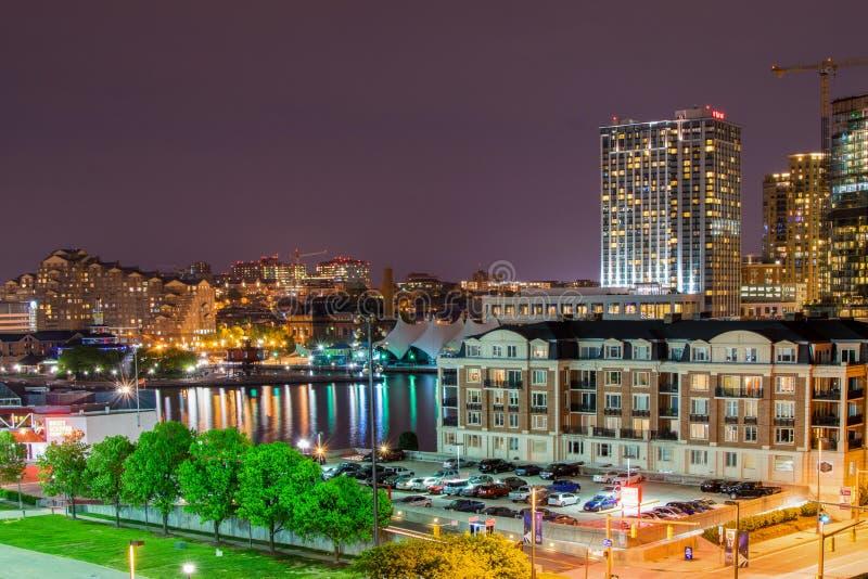 Långa exponeringar under nattetid på den federala kullen i Baltimore, M royaltyfri bild