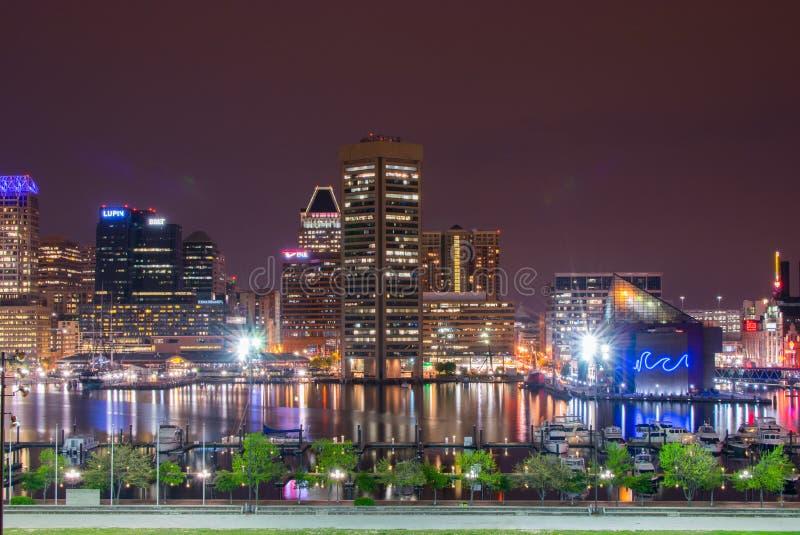 Långa exponeringar under nattetid på den federala kullen i Baltimore, M royaltyfria bilder