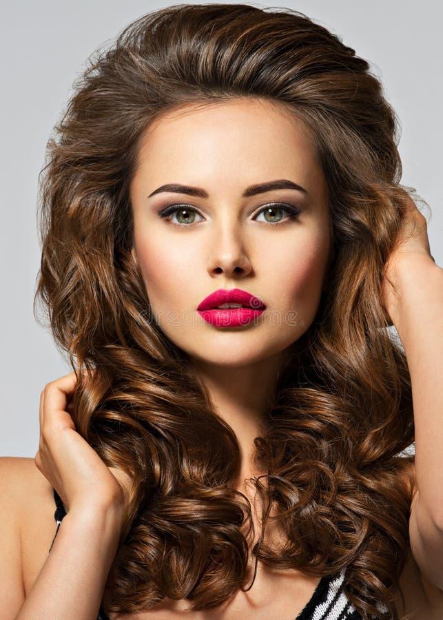 långt nätt kvinnabarn för hår royaltyfria bilder