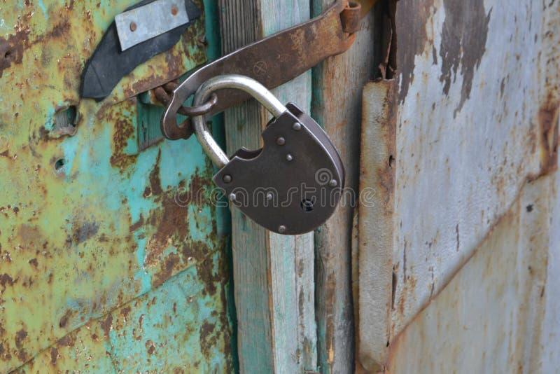 Lås på dörren royaltyfri foto