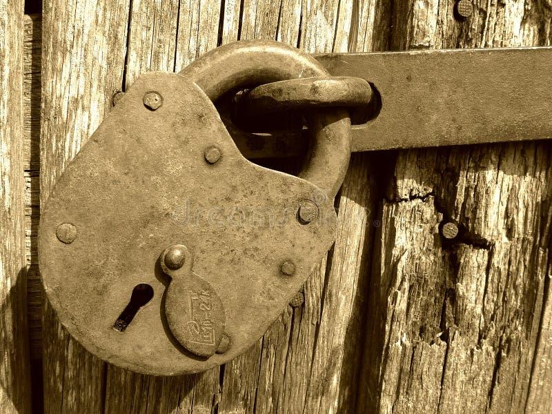 Download Lås tappning arkivfoto. Bild av element, detalj, hammerer - 516926