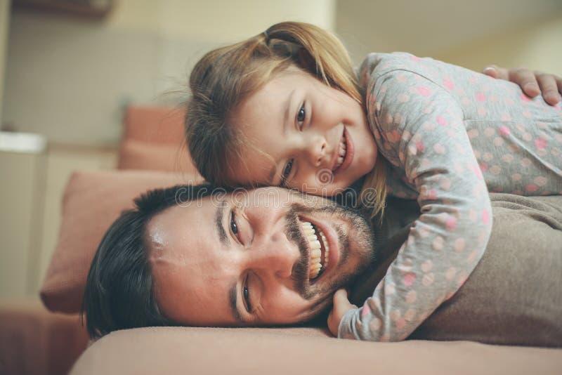 Låt aldrig mig Min fader Is My Hero royaltyfri foto