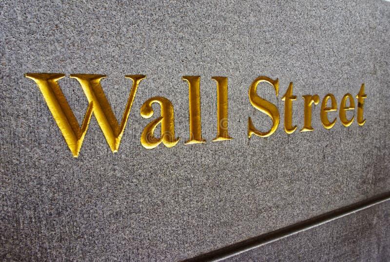 Légende Wall Street dans le Lower Manhattan image libre de droits