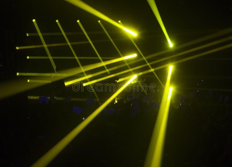 Download Léger Frappant Un Concert De Rock Image stock - Image du arène, festival: 56475251