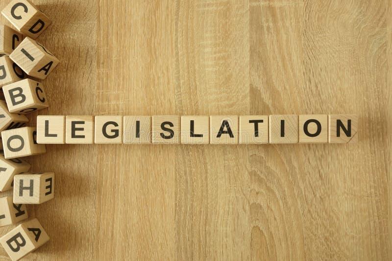 Législation de Word des blocs en bois sur le bureau images libres de droits
