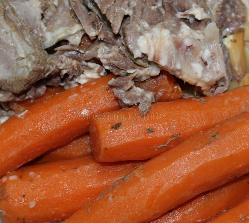 Légume et viande pour la soupe faite maison photo stock