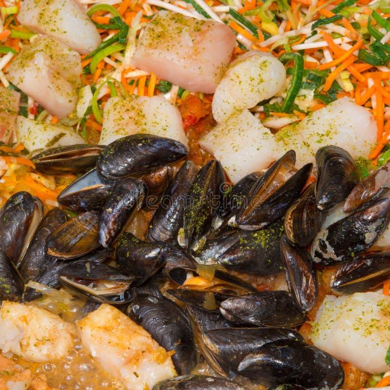 Légumes avec des fruits de mer image stock