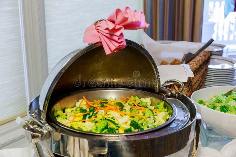 Légumes cuits à la vapeur étroitement vers le haut image stock