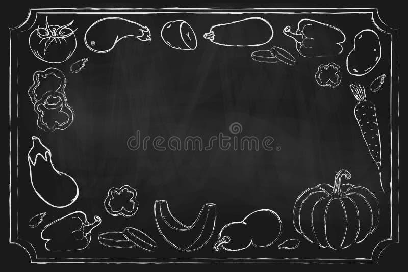 Légumes de Blackboard. fond dessiné à la main avec différents légumes de la ferme sur le tableau. Dessin alimentaire végéta illustration de vecteur