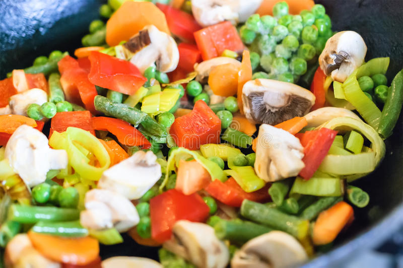Légumes de torréfaction photo libre de droits