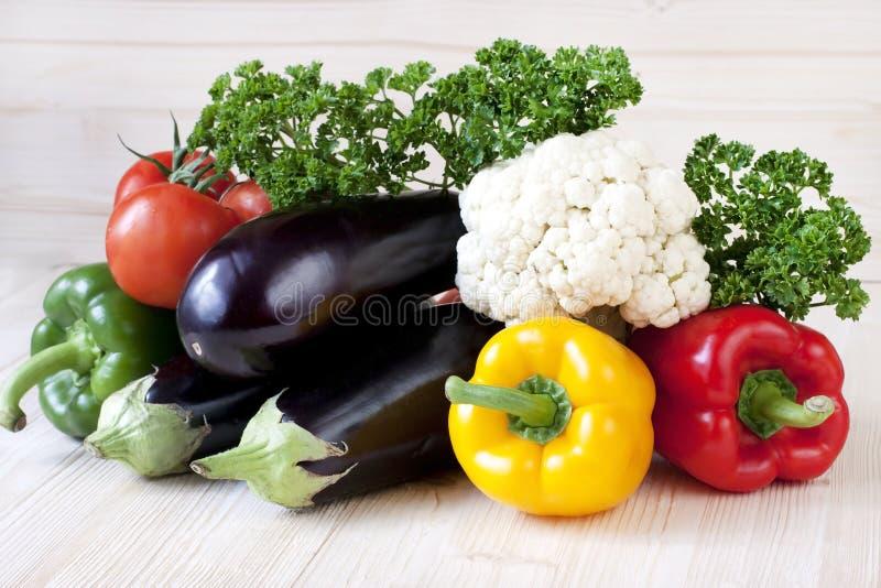 Légumes frais avec des lames photos stock