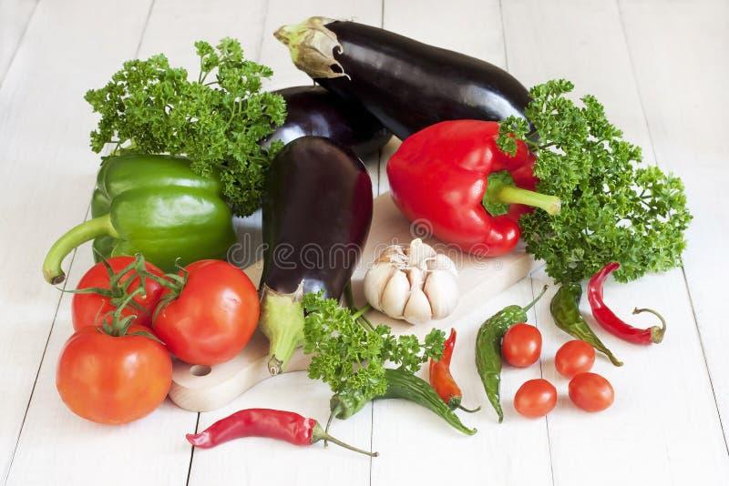 Légumes frais avec des lames photographie stock libre de droits