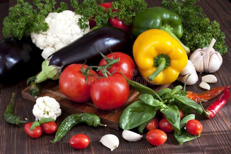 Légumes frais avec des lames photographie stock