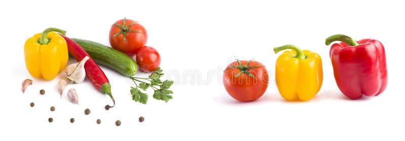Légumes frais sur un fond blanc Poivre jaune, poivron rouge sur un fond blanc photos stock