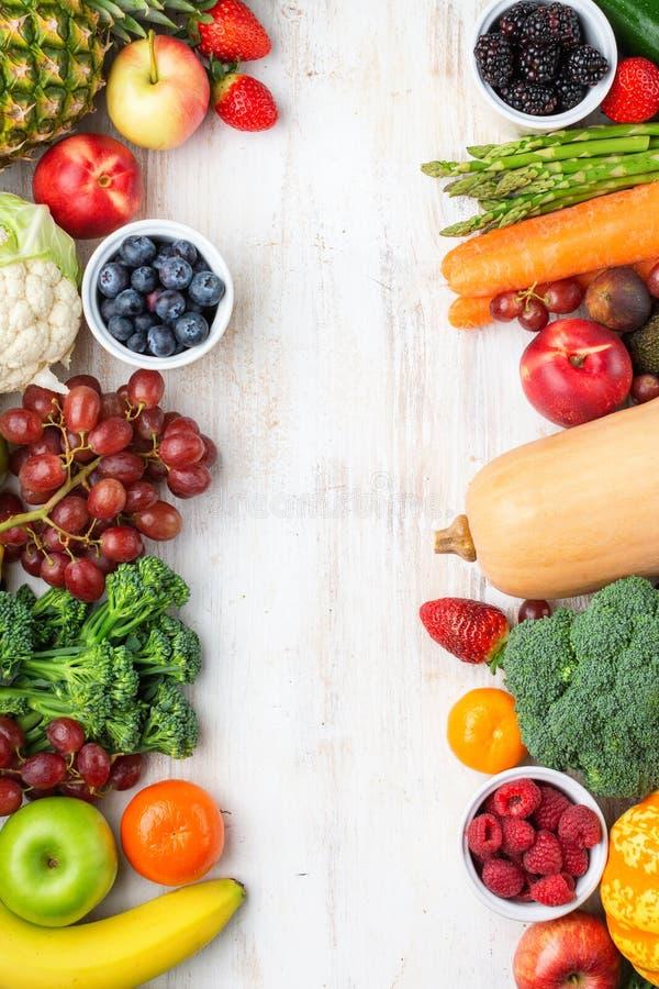Légumes fruits sains d'arc-en-ciel photographie stock