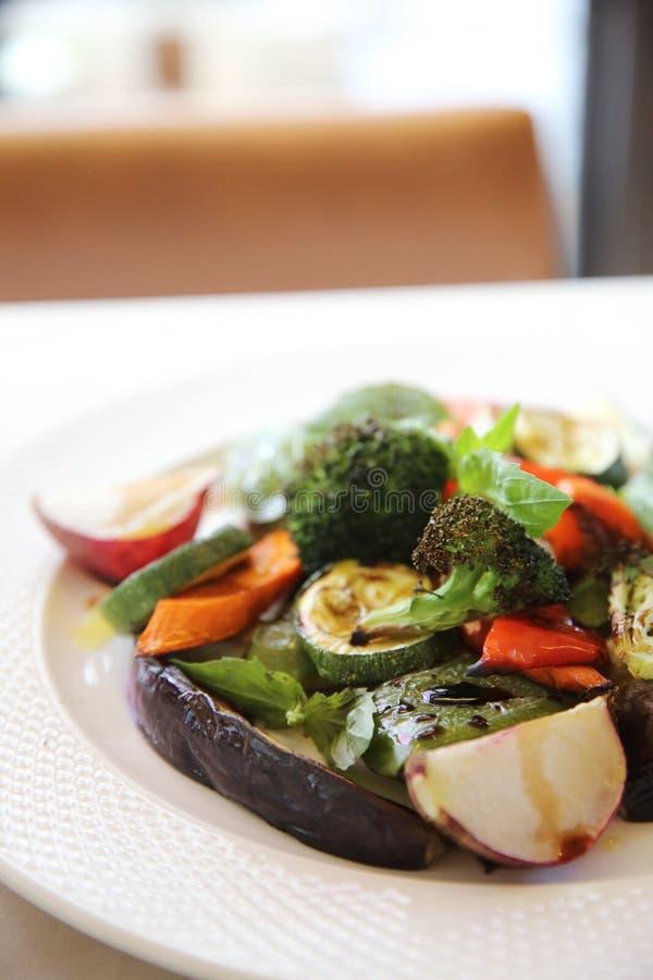 Légumes grillés avec balsamique photos stock