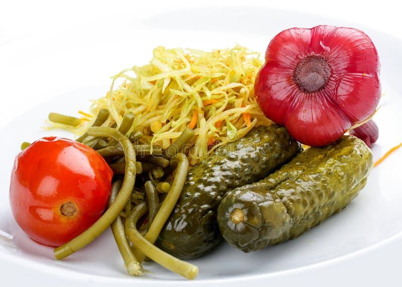 Légumes marinés à la maison image libre de droits