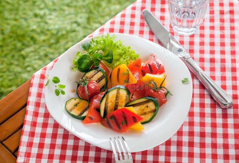 Légumes rôtis par pays sain, nourriture veggy photographie stock libre de droits
