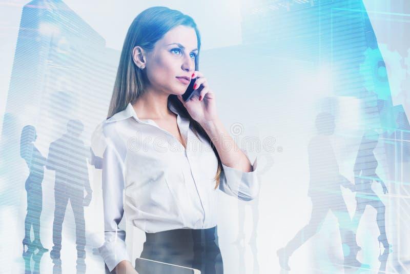 Líder de negócio seguro da mulher, ícones do Internet fotografia de stock royalty free