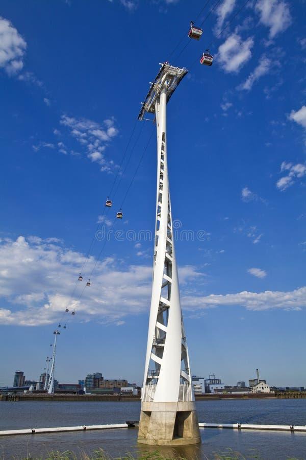 Línea de aire de los emiratos (teleférico del Támesis) en Londres fotografía de archivo