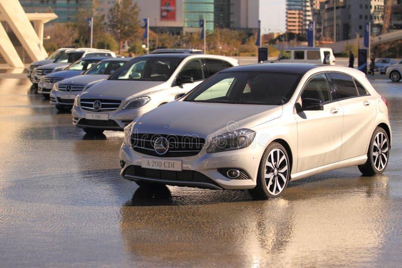 Línea de coches de Mercedes A200 imagenes de archivo