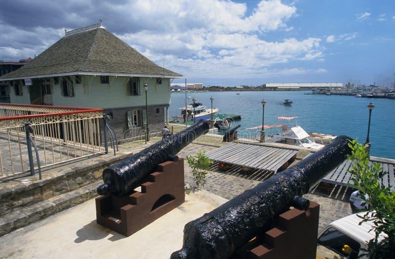 Línea de costa de Caudon en el puerto de Port Louis imagenes de archivo