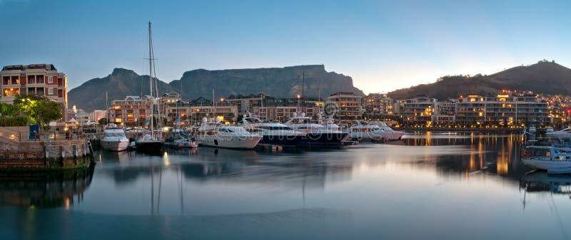 Línea de costa de Ciudad del Cabo V&A fotos de archivo libres de regalías