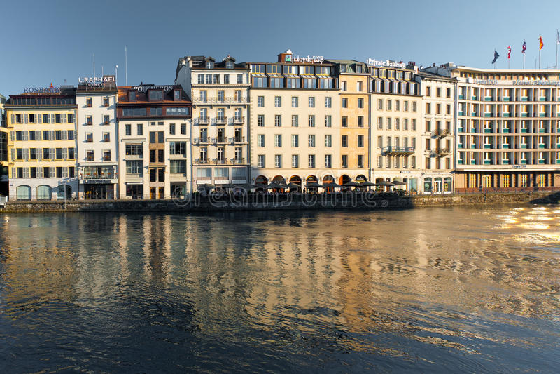 Línea de costa de Ginebra de las compañías financieras de la batería foto de archivo libre de regalías