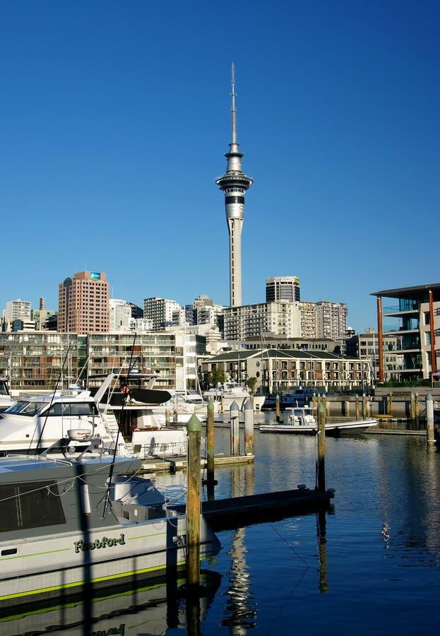 Línea de costa de la ciudad de Auckland imágenes de archivo libres de regalías