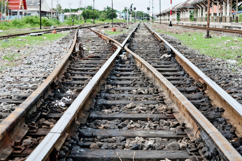 Línea de cruce ferroviario foto de archivo libre de regalías