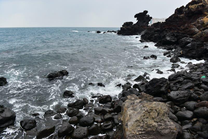 Línea de Dragon Head Rock Coast fotos de archivo
