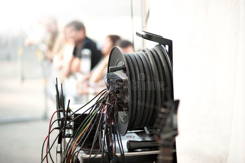 Línea de la amplificación del concierto foto de archivo
