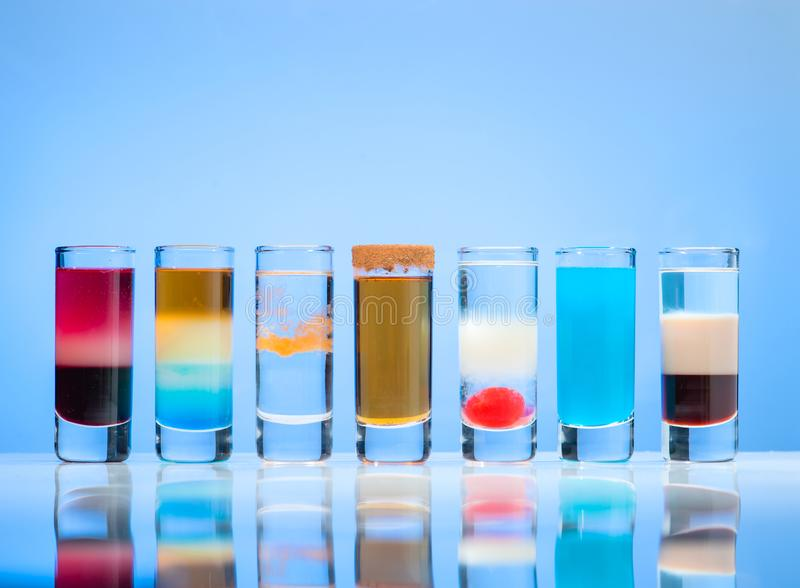línea de la fila de diverso tiro del alcohol imágenes de archivo libres de regalías