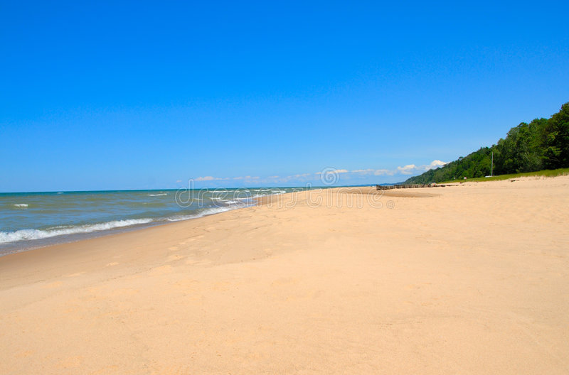 Línea de la playa de Michigan de lago imagenes de archivo