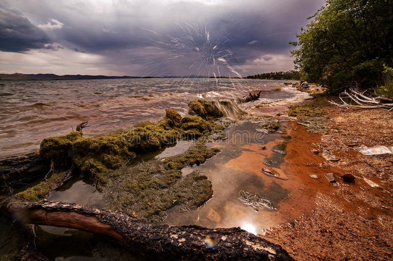 Línea de la playa del lago Baikal imagenes de archivo