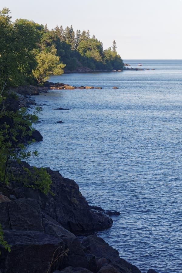 Línea de la playa del lago Superior cerca de Duluth, Minnesota fotografía de archivo