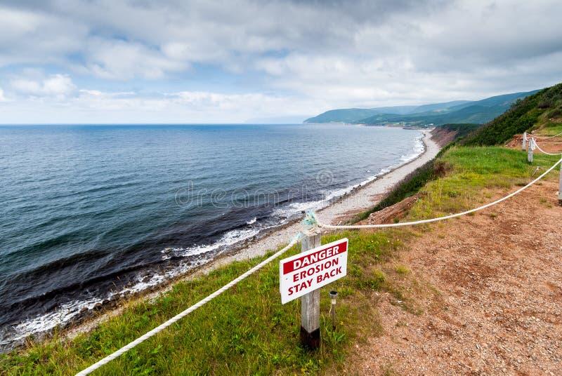 Línea de la playa a lo largo de Cabot Trail en bretón del cabo foto de archivo libre de regalías