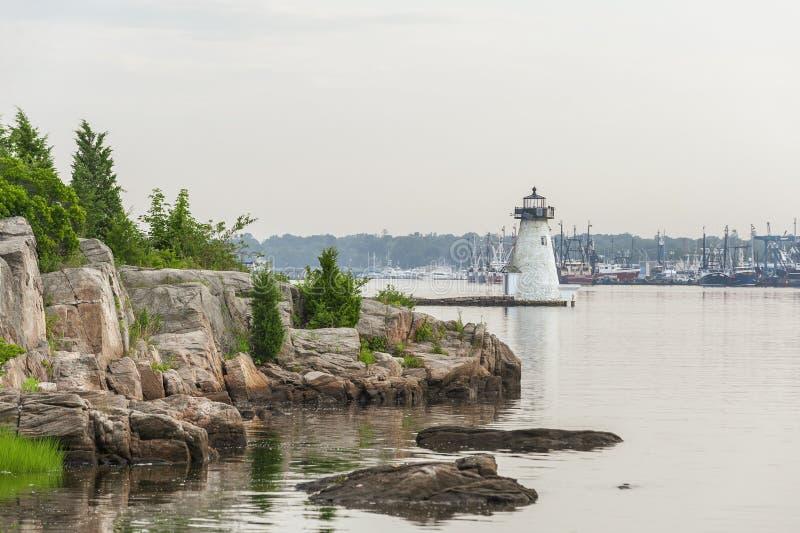 Línea de la playa de Rocky Palmer Island imagen de archivo libre de regalías