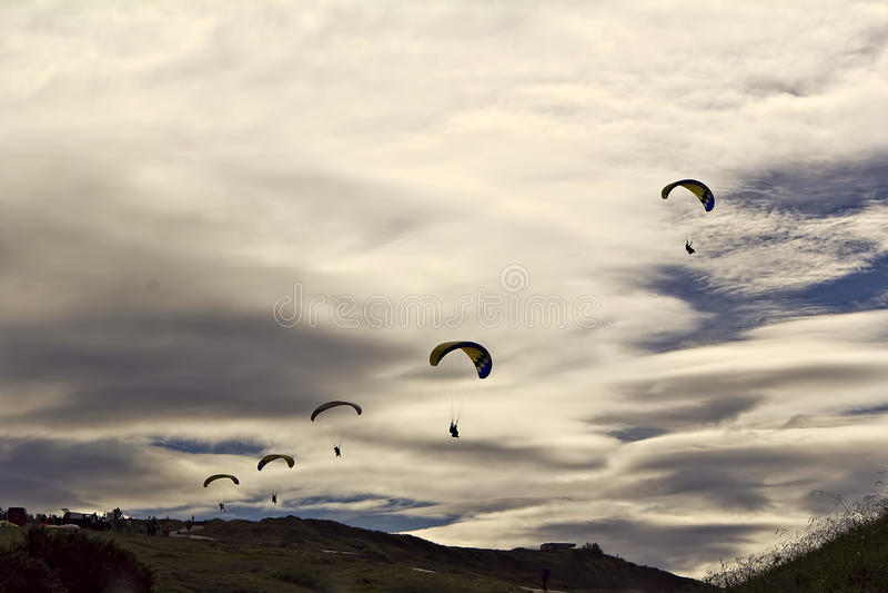 Línea de paracaídas foto de archivo