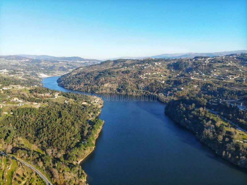 Línea de río del Duero imagen de archivo