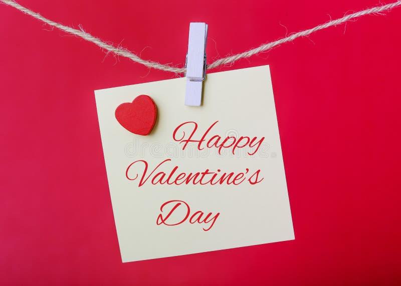 Línea de Valentine Note Paper Hanging On foto de archivo