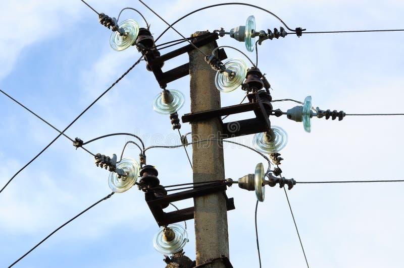 Línea eléctrica de la electricidad imagen de archivo