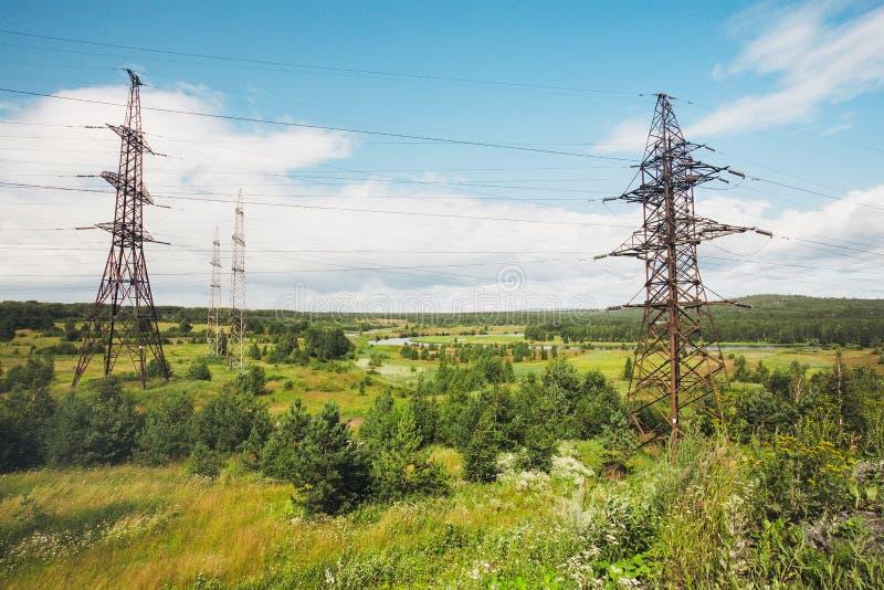 Línea eléctrica eléctrica fotografía de archivo libre de regalías