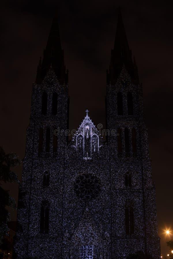 Línea sólido del punto de Videomapping de la superficie de Daniel Rossa en los churs de Ludmila del santo en el festival 2016 de  imágenes de archivo libres de regalías