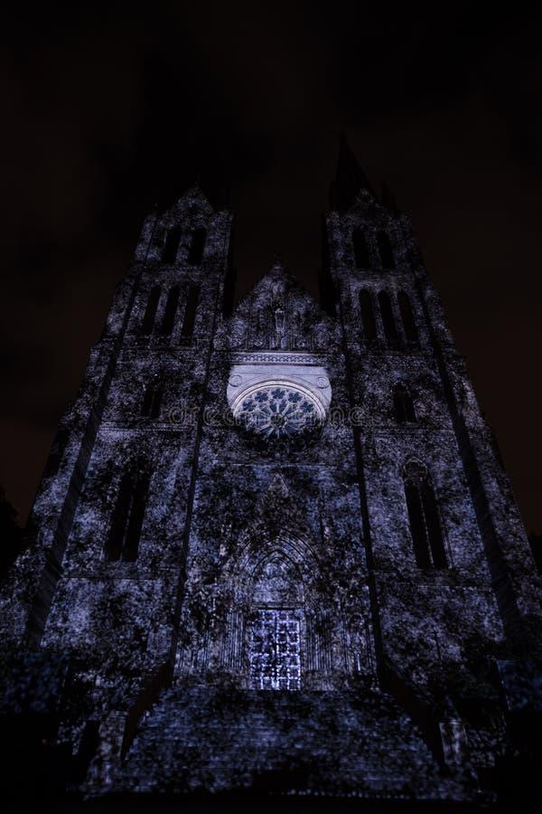 Línea sólido del punto de Videomapping de la superficie de Daniel Rossa en los churs de Ludmila del santo en el festival 2016 de  foto de archivo