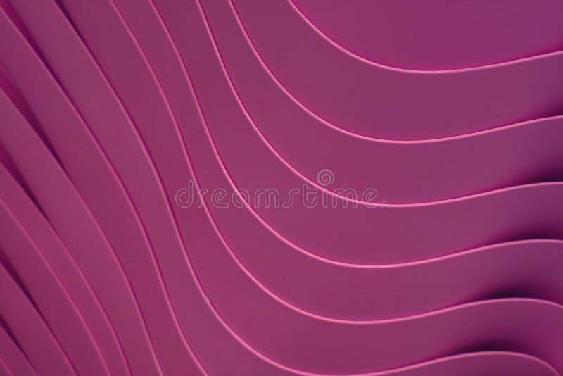 Líneas artísticas de la curva del color púrpura rojo vivo para arriba llenados de los cuencos plásticos imagen de archivo libre de regalías