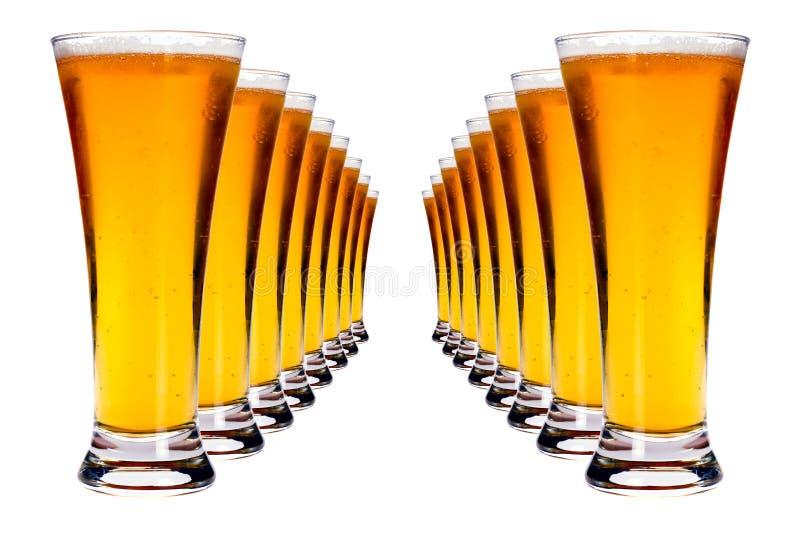 Líneas De Cerveza De Cerveza Dorada Imagen de archivo libre de regalías