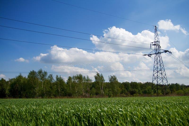Líneas de transmisión de la energía imagen de archivo