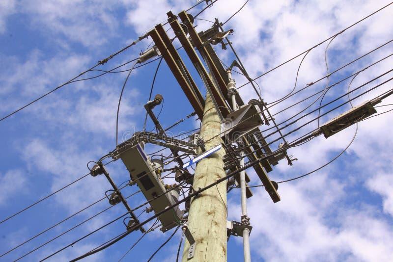 Líneas de transmisión eléctricas fotografía de archivo